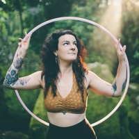aleira moon. hooping in bali.