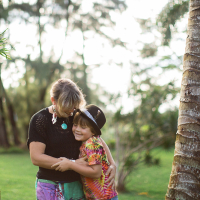 tropical moms | kate, dylan, and eli | maui mama magazine