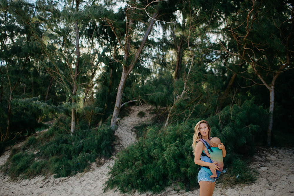 raising raw vegan children - an interview with ellen fisher of mango island mamma at baby beach in paia with cadencia photography of maui, hawaii.