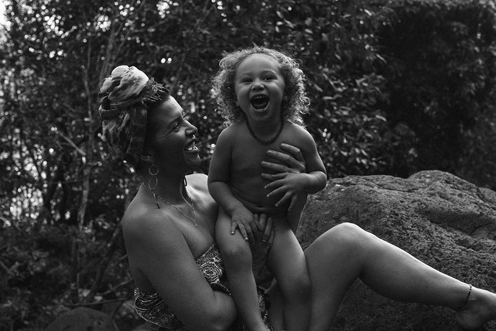 beautiful family portraits in Iao Valley, Maui.