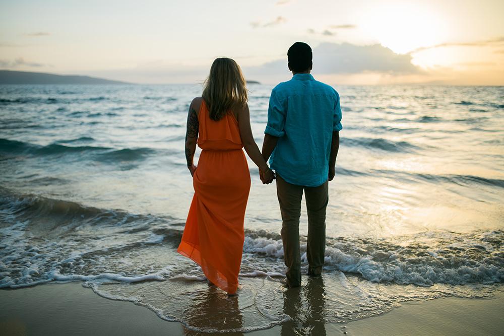 beautiful engagement photography in maui, hawaii.