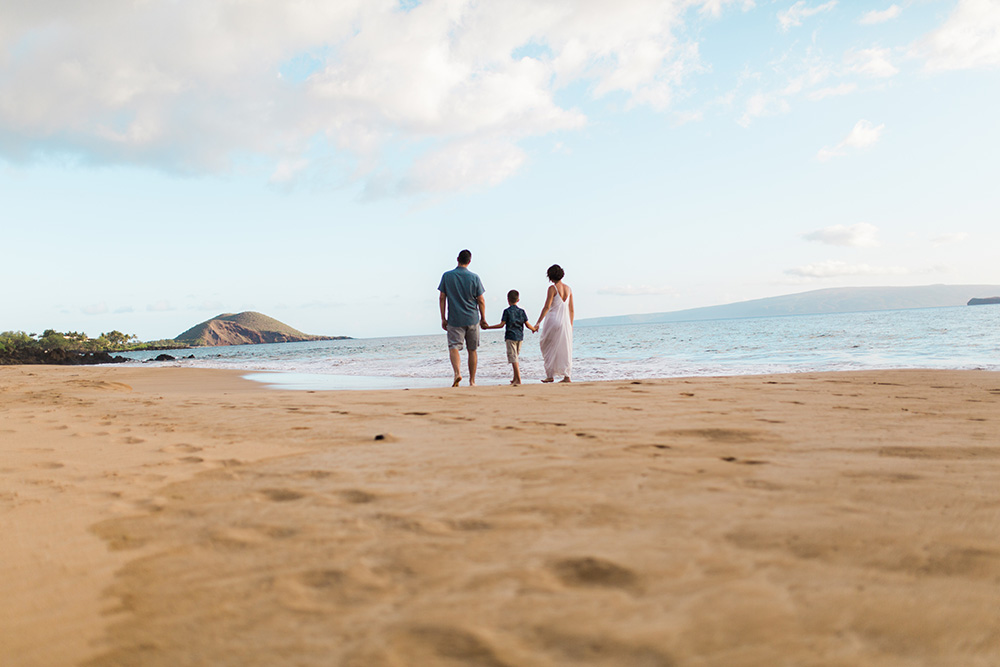 family portrait photographer on Maui