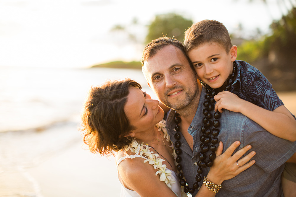 beautiful family portraits on maui with cadencia photography
