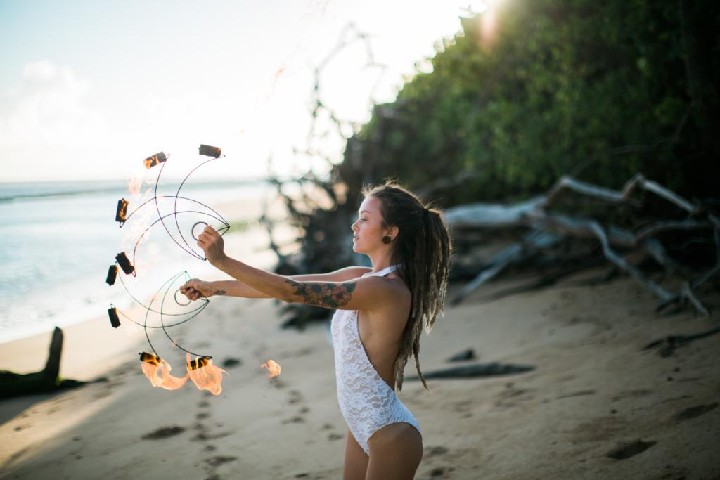 hawaii fire dancer on maui