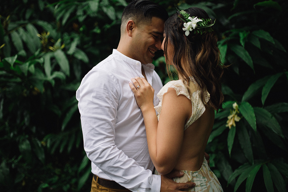 engagement photography in the jungles of Maui, Hawaii.