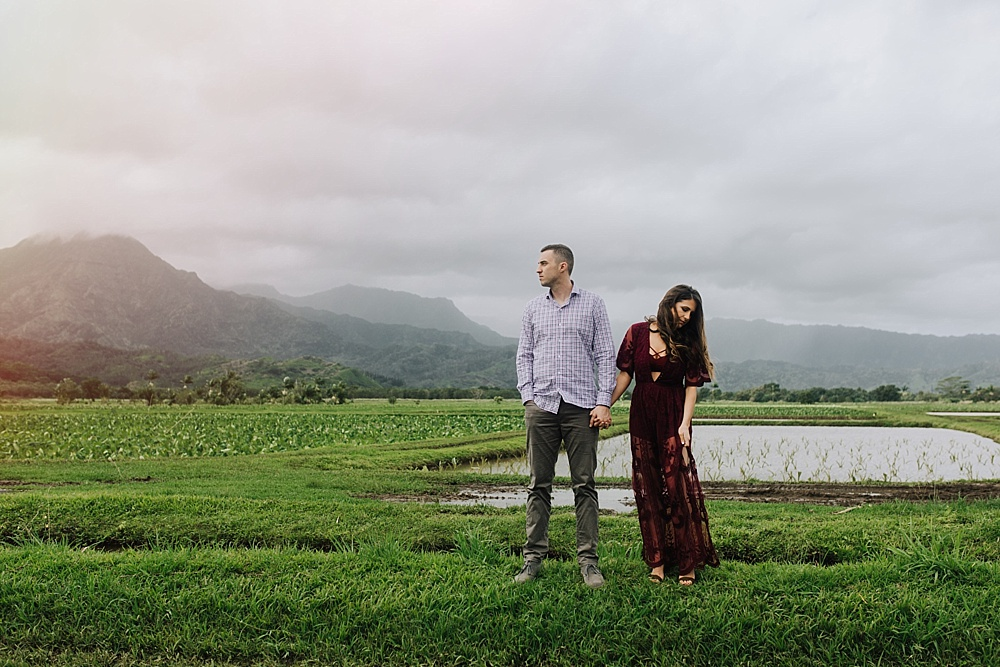 beautiful engagement photography on Kauai, Hawaii by maui photographer cadencia.