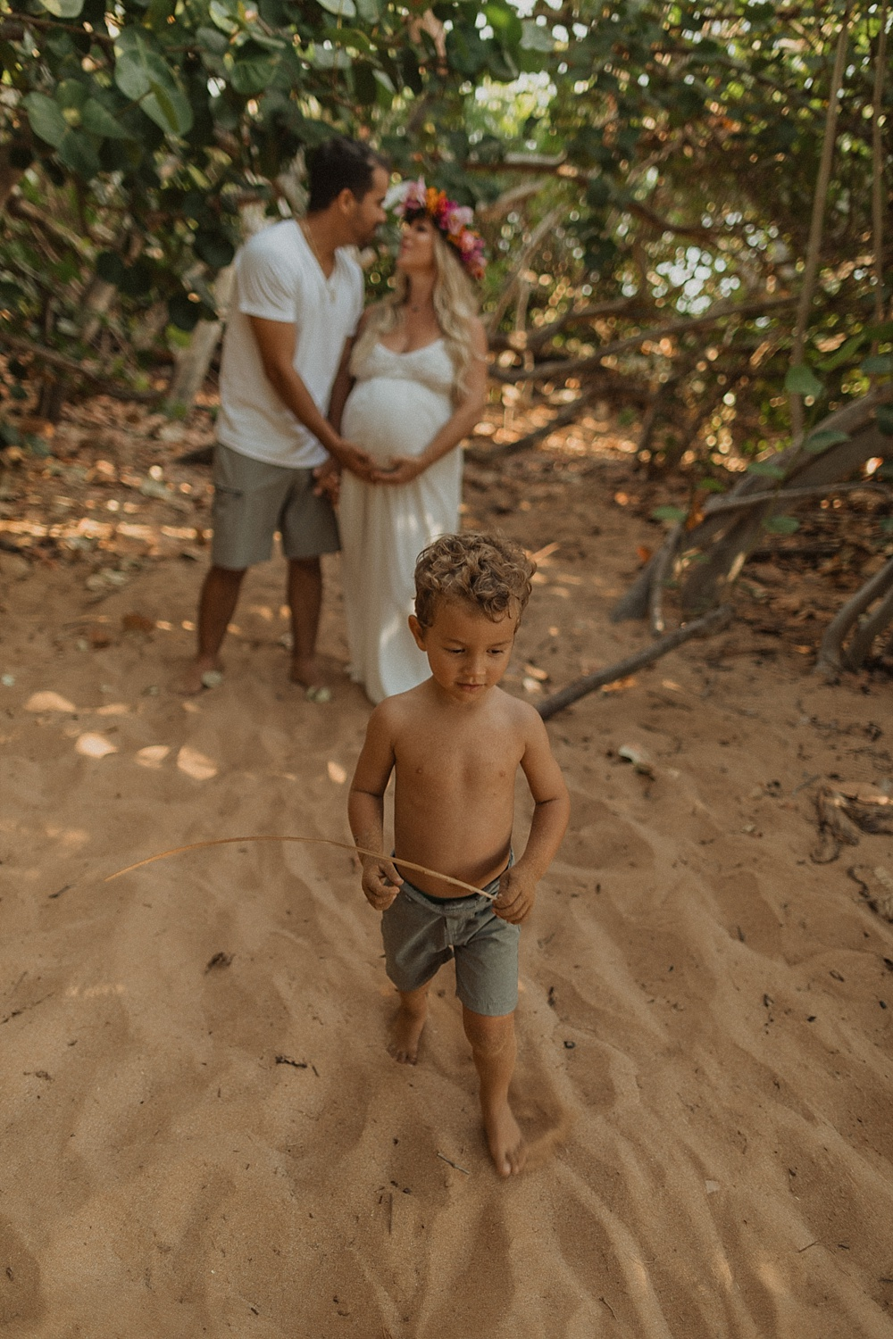 tropical family and maternity photos at sunset on maui