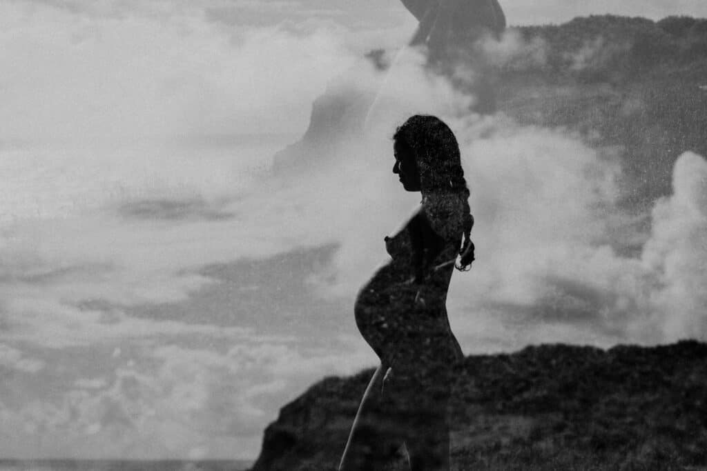 naked black and white maternity photoshoot in maui, hawaii